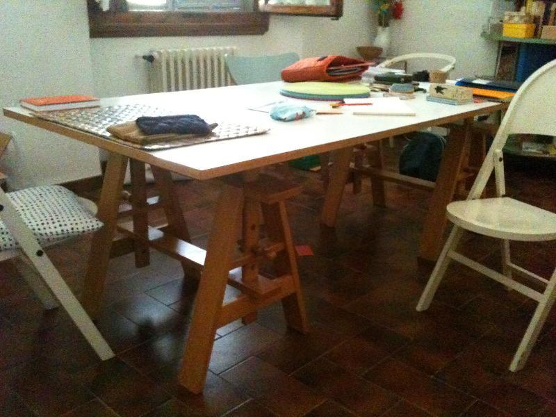 richiesta trasporto tavolo con cavalletti | Spedingo.com