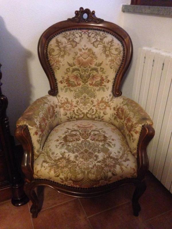 poltrona legno e stoffa | Spedingo.com