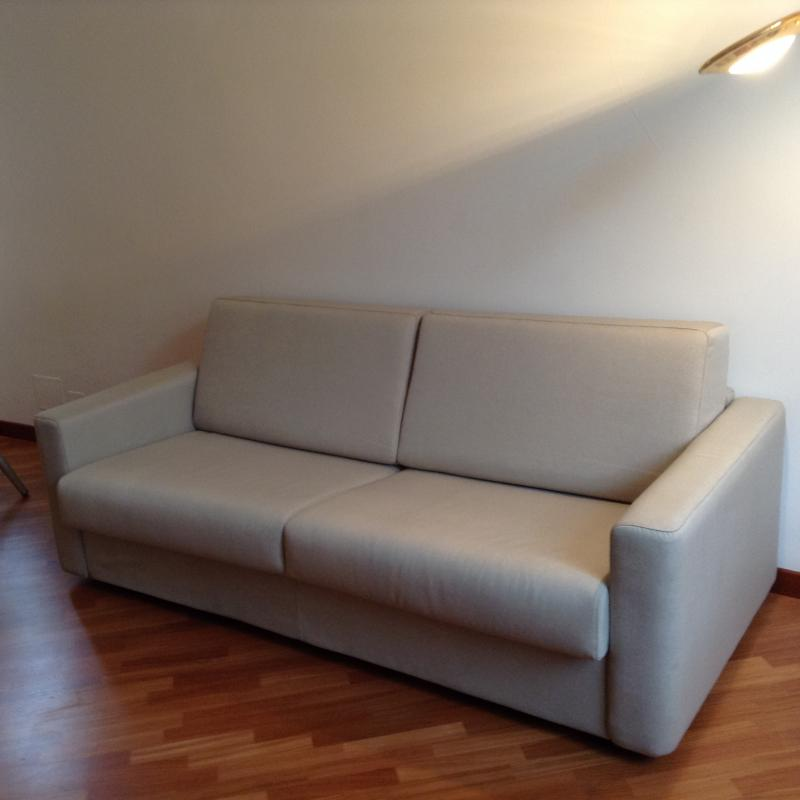 Trasloco tavolo + divano letto Genova-Bologna | Spedingo.com